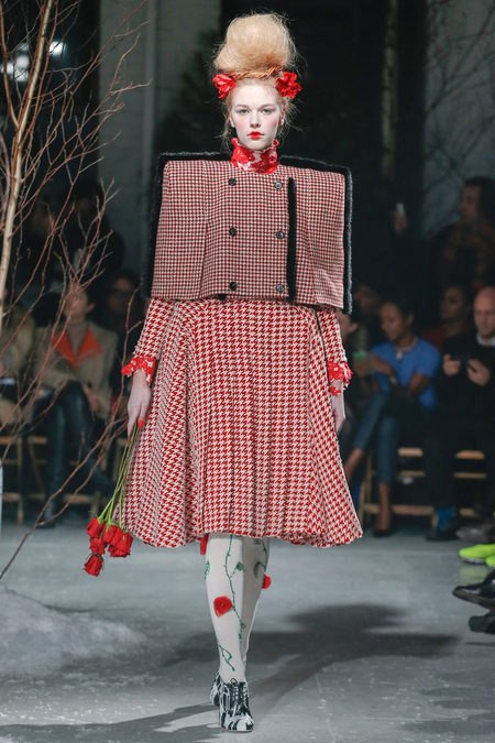 images/cast/10151232277772035=Fall 2013_14 COLOUR'S COMPANY fabrics x=thom browne new york